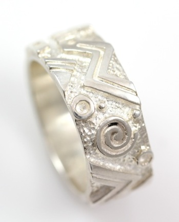 Wide Swirl Ring_TRACEY